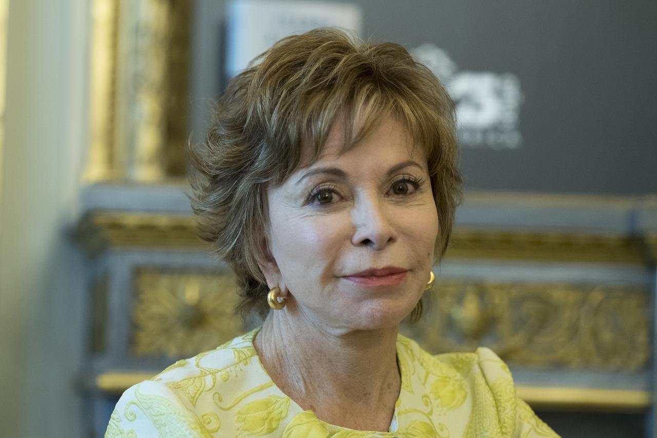 Isabel Allende recibe premio en Barcelona